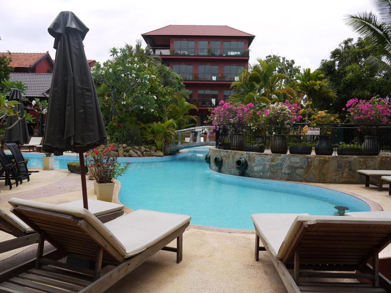 Elephant Blanc ( Domrey Sor Apartment and Resort )