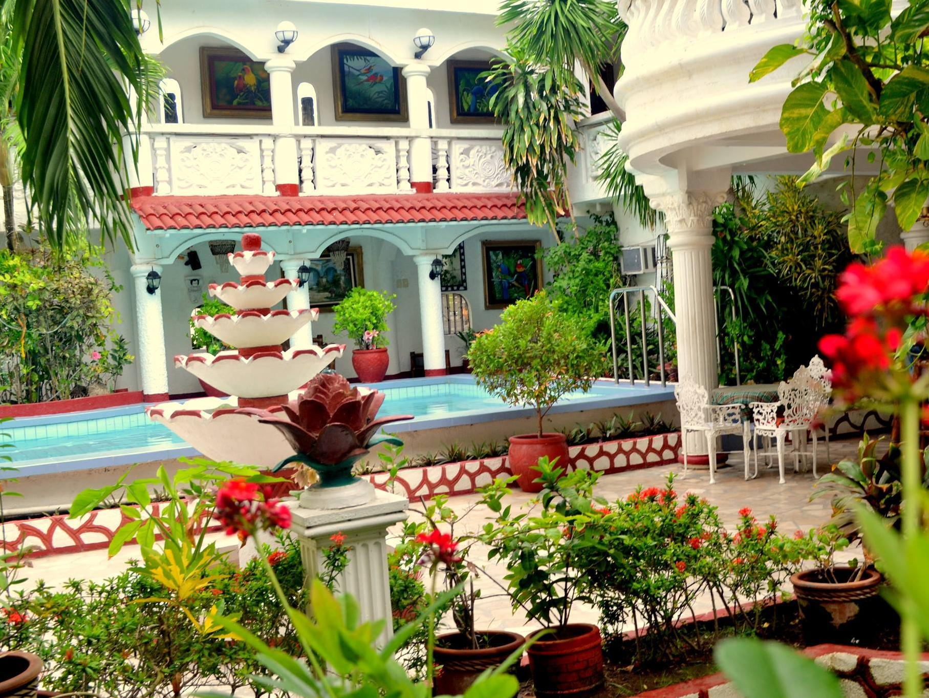 White Castle Hotel and Resort - Hotels and Accommodation in Philippines, Asia