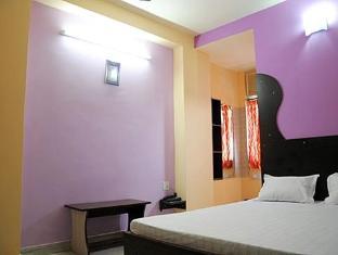 Abhiraj Palace Hotel