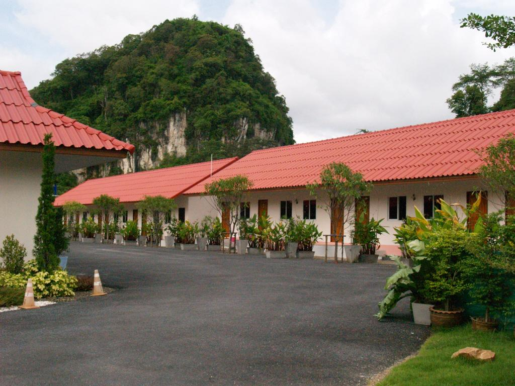Srisawat Home Bungalow - Hotell och Boende i Thailand i Asien
