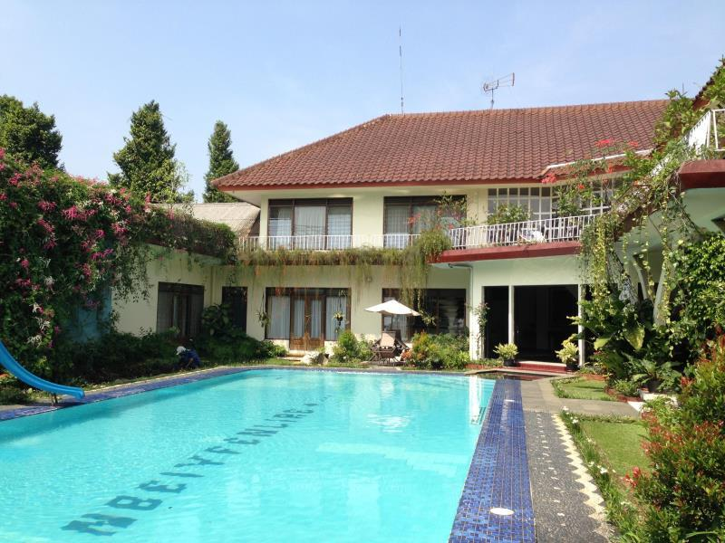 The Garden Family Guest House - Hotels and Accommodation in Indonesia, Asia