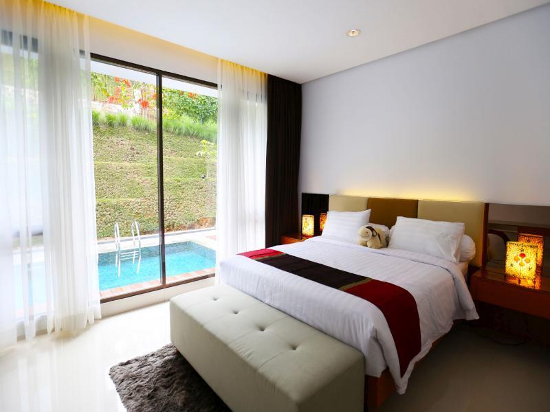 Private Pool Permai Villa Dago Pakar - Bandung