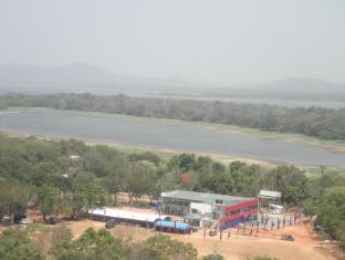 Gunners Club - Minneriya Polonnaruwa - Exterior