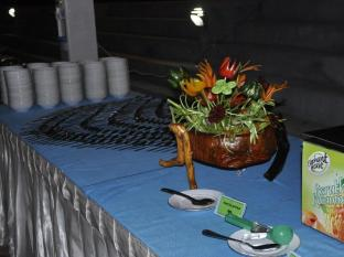 Gunners Club - Minneriya Polonnaruwa - Buffet