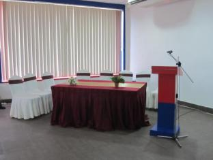 Gunners Club - Minneriya Polonnaruwa - Meeting Room