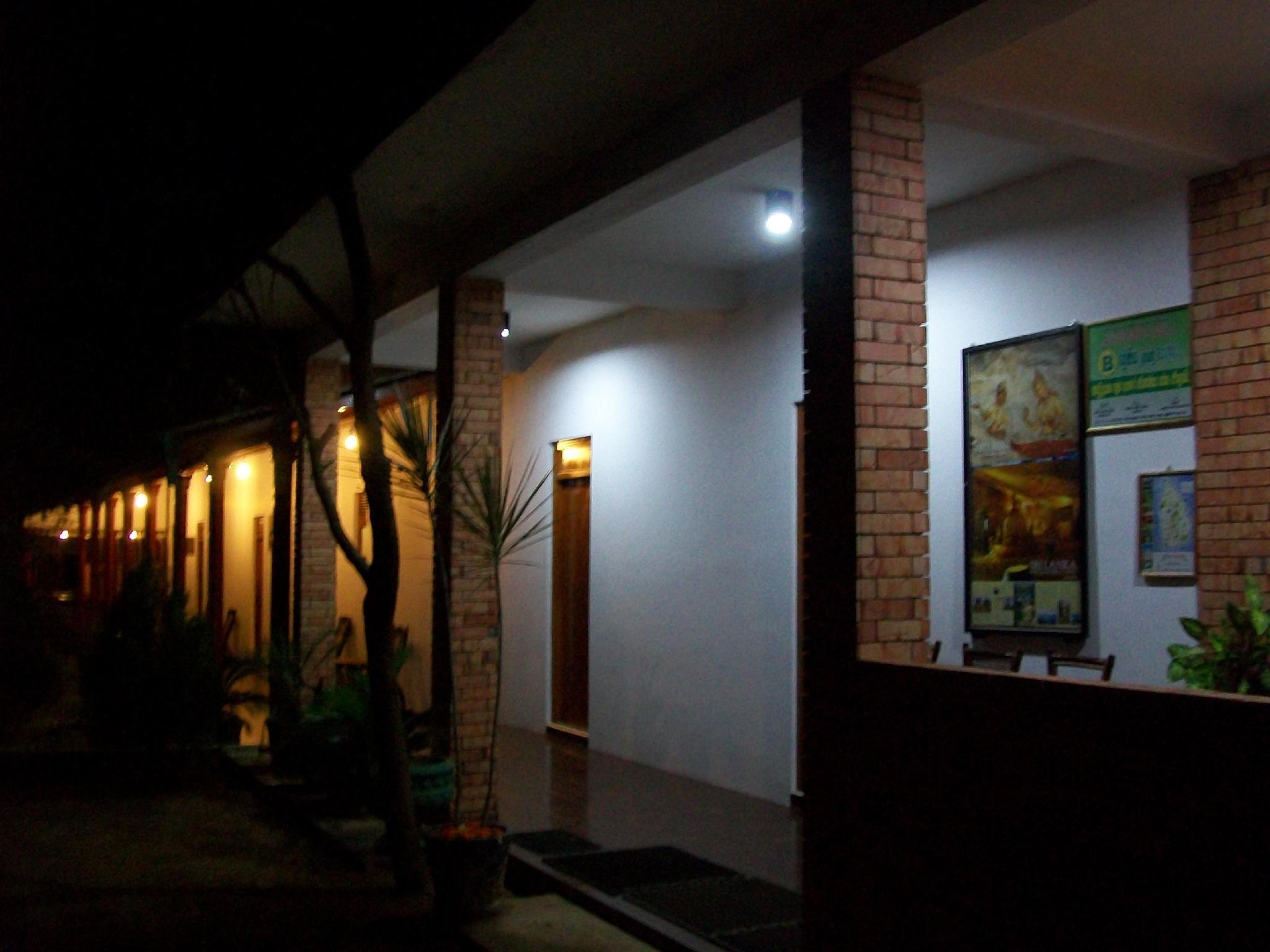 The Senaro Holiday Inn - Hotels and Accommodation in Sri Lanka, Asia