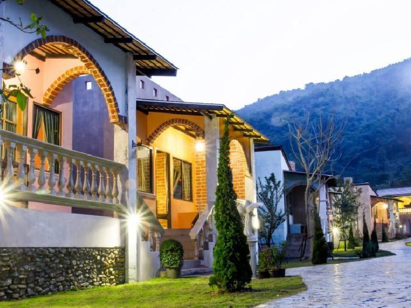 Stamp Hills Resort - Hotell och Boende i Thailand i Asien