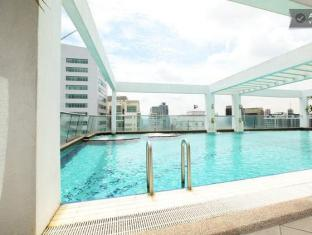 Ammar KLCC Suite 1 at Parkview Kuala Lumpur - Roof Top Swimming Pool