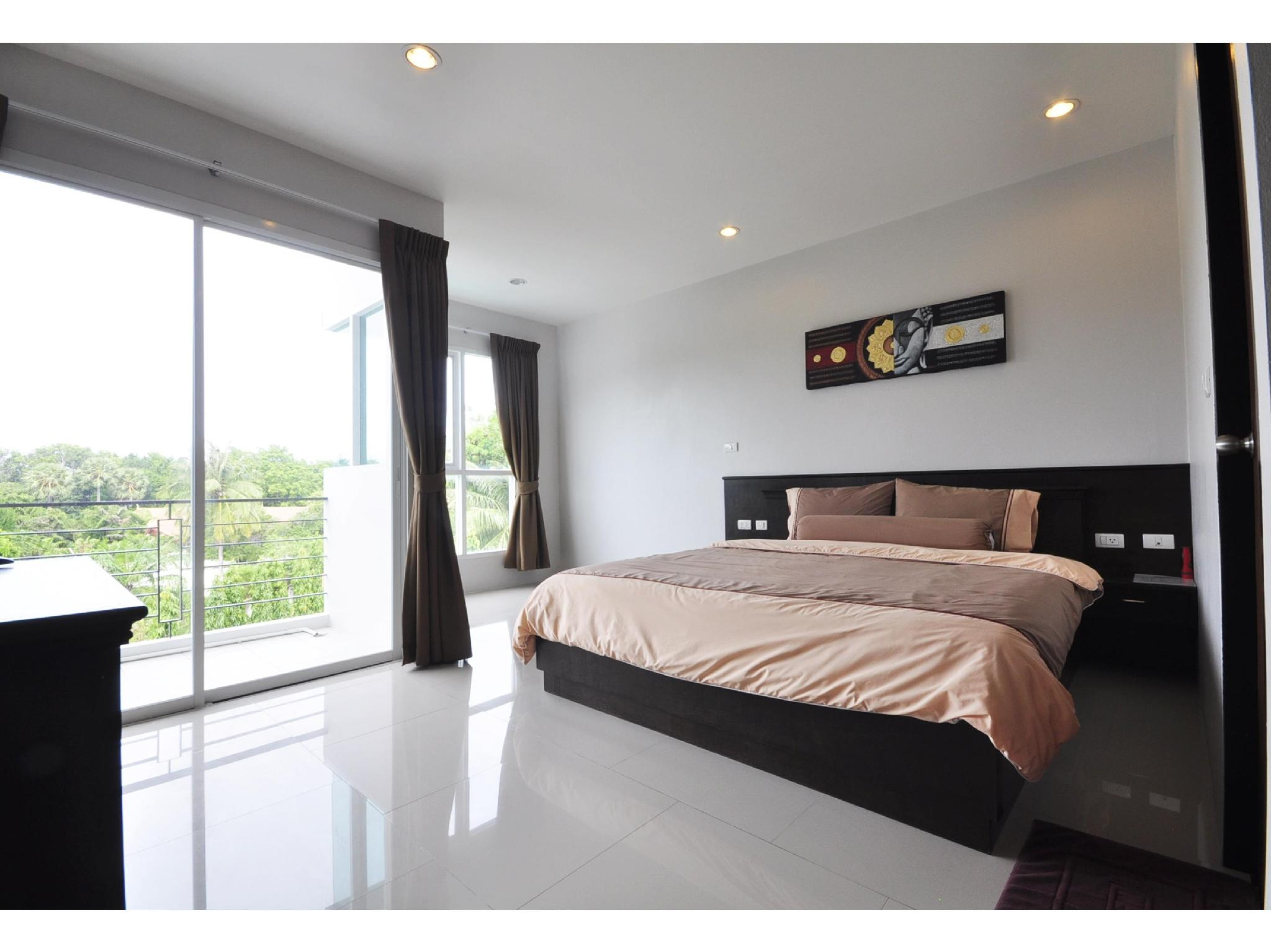 The Bedroom Kata Apartment