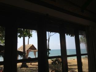 nautilus right on the beach resort