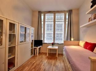 Parisian Home Apartments Champs Elysees