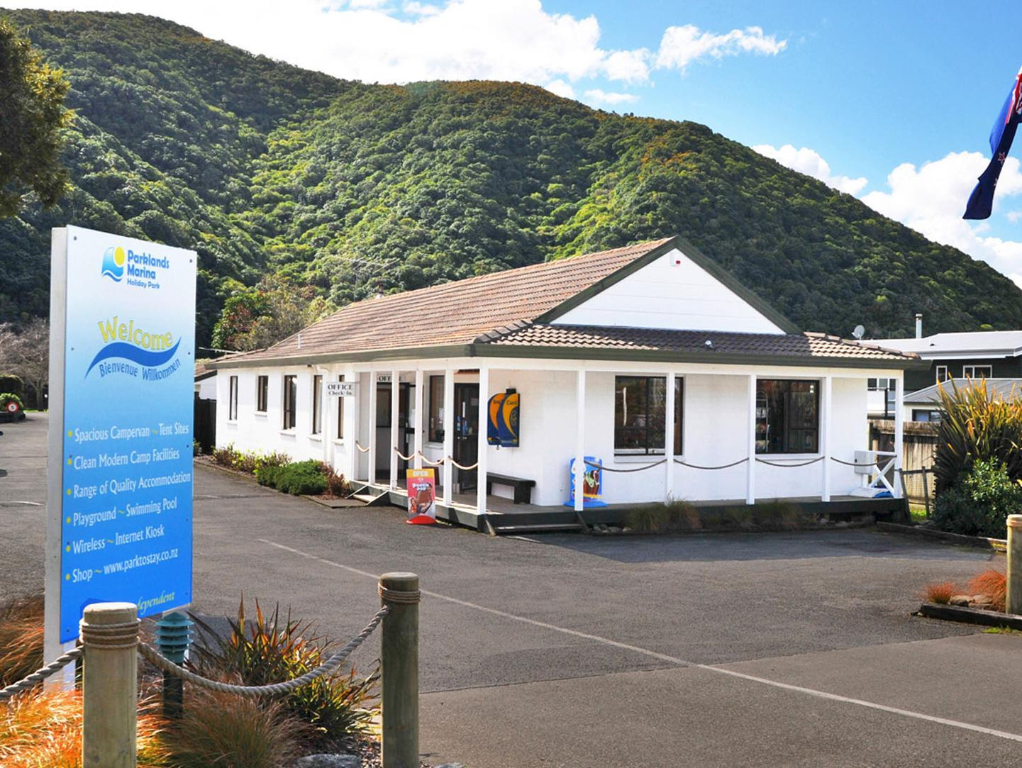 Parklands Marina Holiday Park Cabins - Hotels and Accommodation in New Zealand, Pacific Ocean And Australia