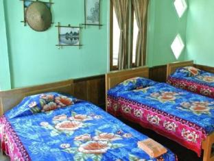 Golden Lily Guest House Kalaw - Guest Room