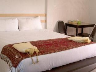 v.i.p room service hostel