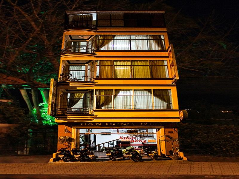 Xuan Hong 1 Hotel - Hotels and Accommodation in Vietnam, Asia