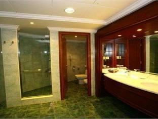 Al Hamra Fort Hotel and Beach Resort Ras Al Khaimah - Bathroom
