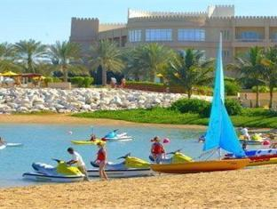 Al Hamra Fort Hotel and Beach Resort Ras Al Khaimah - Beach