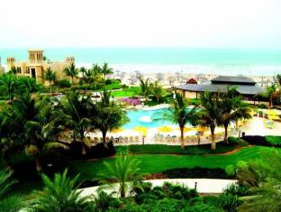 Al Hamra Fort Hotel and Beach Resort Ras Al Khaimah - Swimming pool