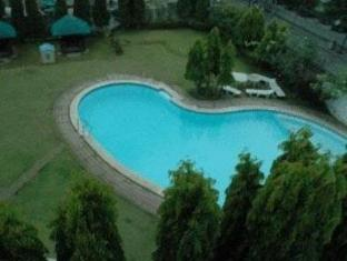 Days Hotel Batangas Batangas - Swimming pool