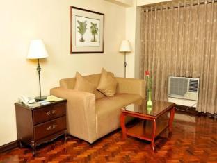 Copa Businessman Hotel Manila - Suite Living Room