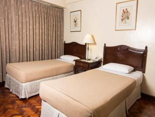 Copa Businessman Hotel Manila - Suite Room