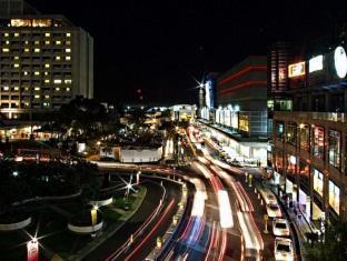 Ascott Makati Manila - Surroundings - SM Makati and Glorietta
