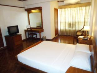 Hotel Sapphire Colombo - Standard Room Interior