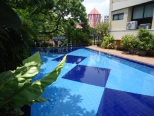 Hotel Sapphire Colombo - Swimming Pool