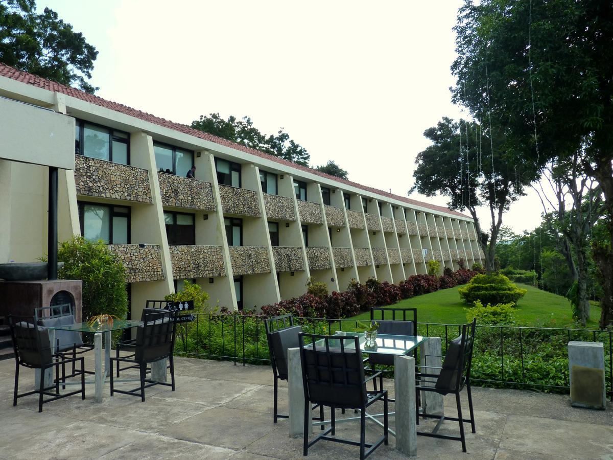 Royal Lotus Hotel - Hotels and Accommodation in Sri Lanka, Asia