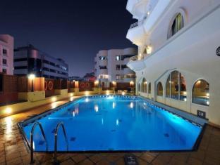 โรงแรมรามาดา ดูไบ ดูไบ - สระว่ายน้ำ