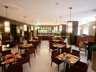 Ramada Hotel Dubai Dubai - Food, drink and entertainment