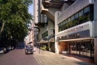セント ジルズ ロンドン ホテルの外観