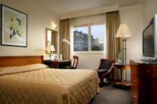 Le Meridien Etoile Hotel
