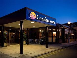 Comfort Hotel Heathrow London - Hotel Entrance