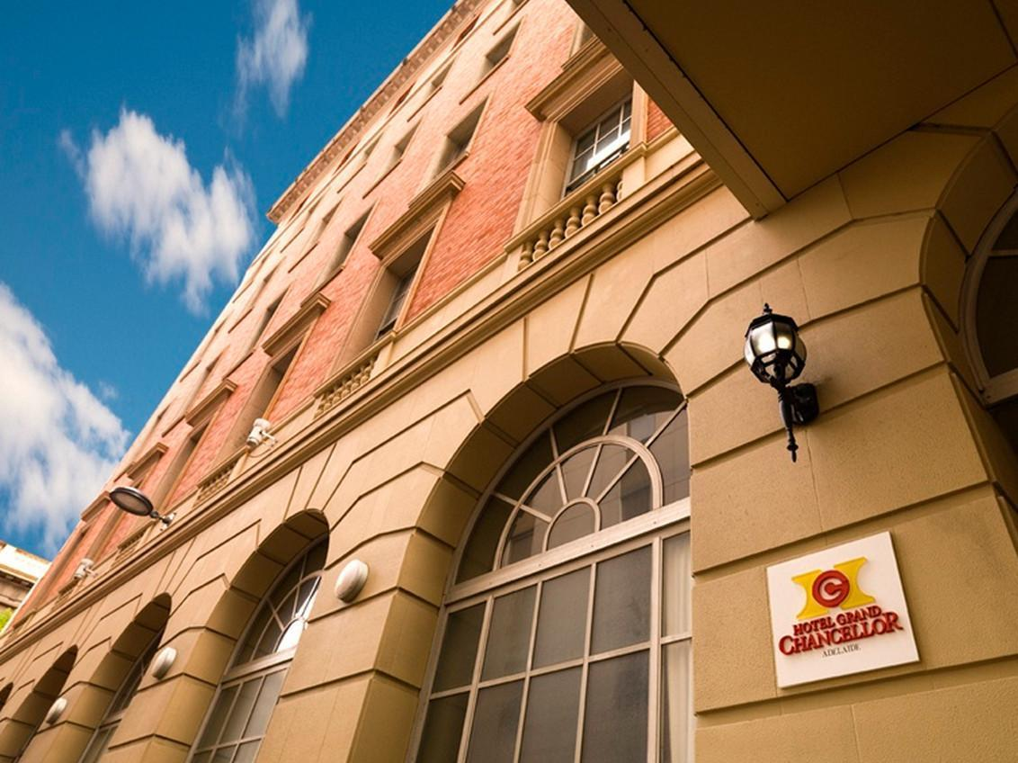 Hotel Grand Chancellor Adelaide on Currie - Hotell och Boende i Australien , Adelaide