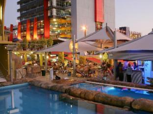 Melaleuca On Mitchell Hostel Darwin - Swimming Pool