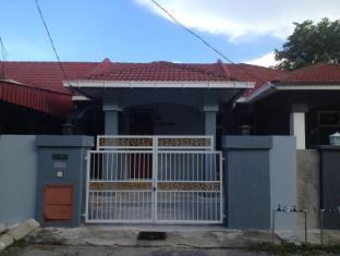 Lesa Guesthouse - Taman Bayas