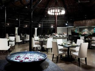 Vivanta by Taj - Holiday Village North Goa - Food, drink and entertainment