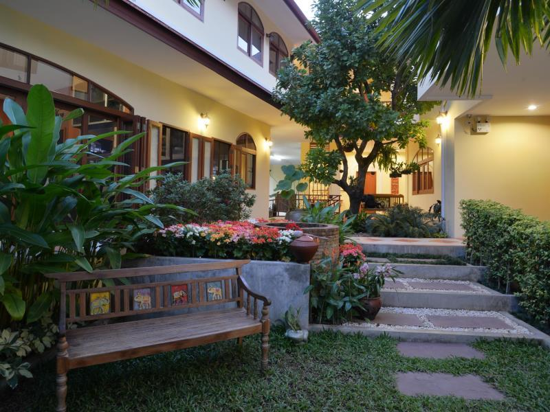 The Golden Wells Residence - Hotels and Accommodation in Thailand, Asia
