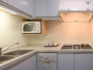New Harbour Service Apartments Shanghai - Kitchen