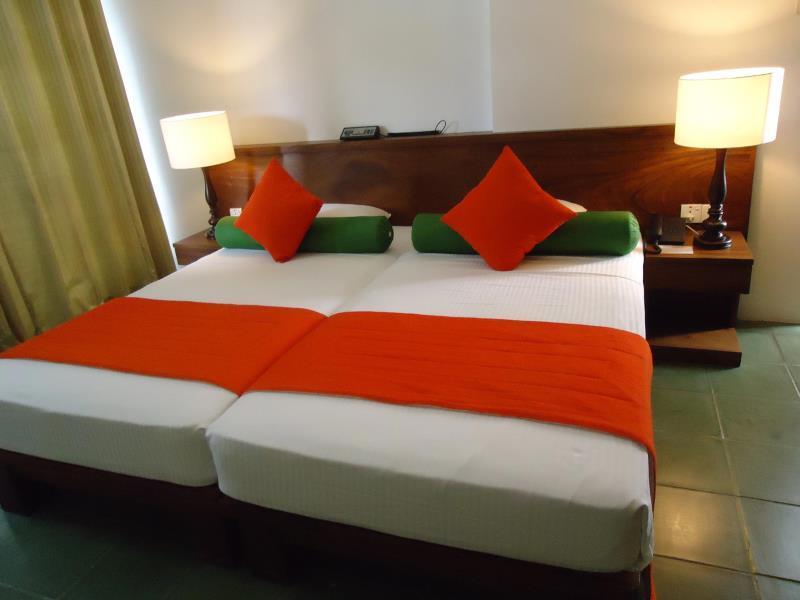 Darshani Lodge - Hotels and Accommodation in Sri Lanka, Asia
