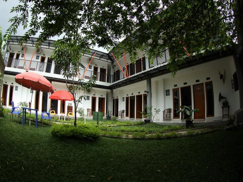 Harmony Guest House - Hotels and Accommodation in Indonesia, Asia