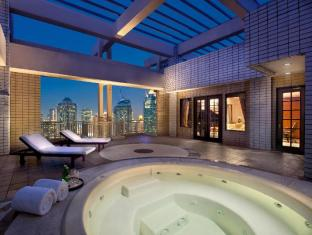 The Sultan Hotel Jakarta - Royal Suite Jacuzzi