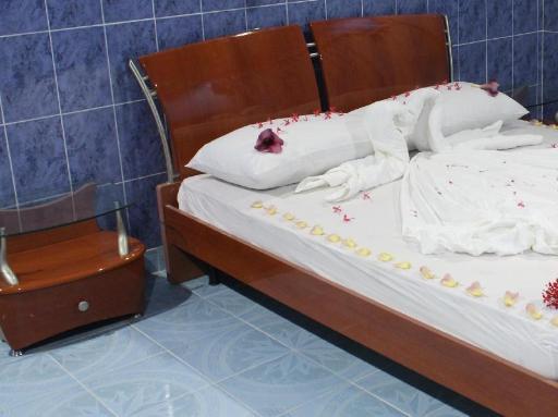 ➦     (Maldives) customer rating