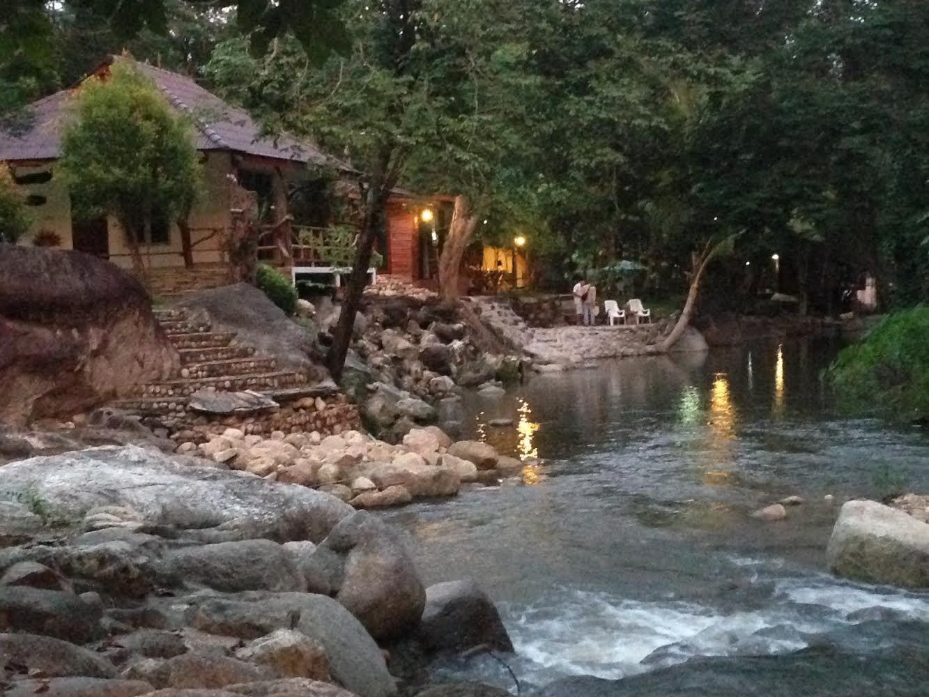 Lunda Orchid Resort - Hotell och Boende i Thailand i Asien