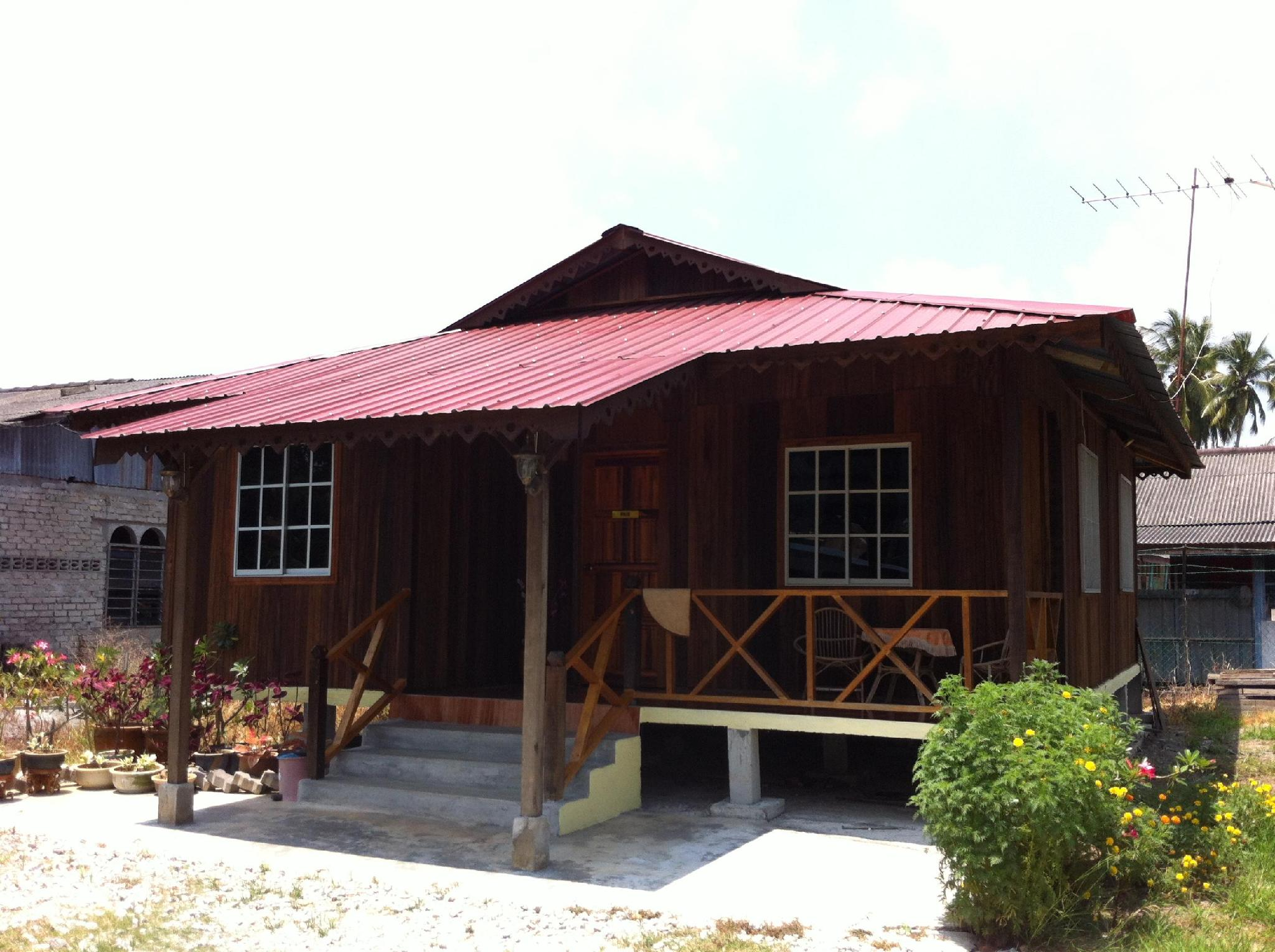 Rumah Fais at D Idaman Chalet - Hotels and Accommodation in Malaysia, Asia