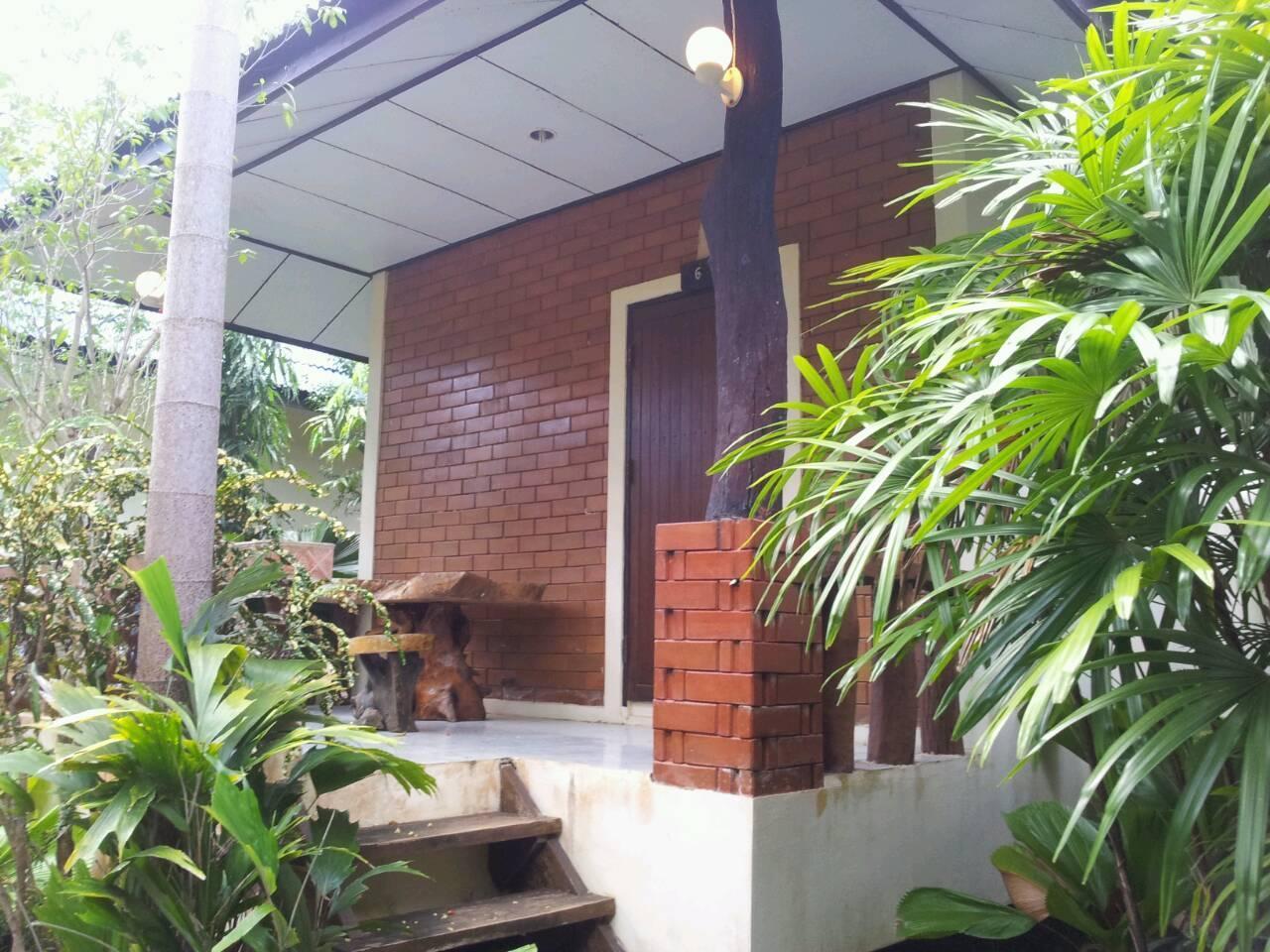 Lovely Lanta Resort