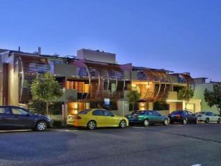 Arthur Street Apartments   Australia Hotels Brisbane