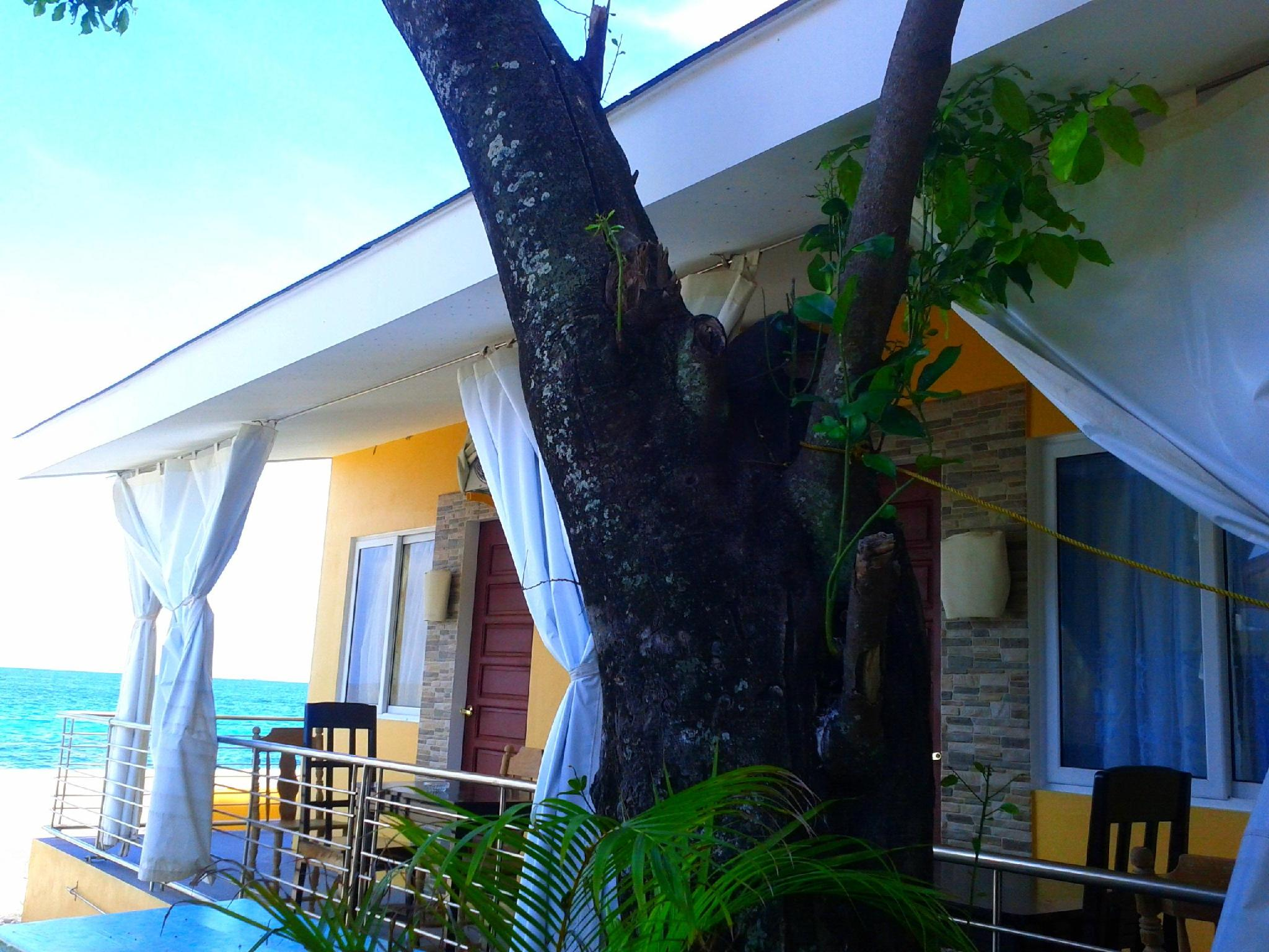 Luzmin BH - Beachfront Cottages - Hotels and Accommodation in Philippines, Asia