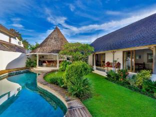Villa Damai Kecil Bali - Swimming Pool